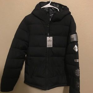 Black puffy MEDIUM outerwear